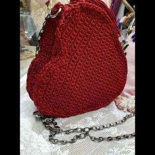 dccf46515f5 Χειροποίητη πλεκτή τσάντα καρδιά